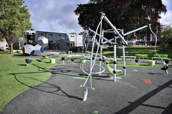 kompan-playground